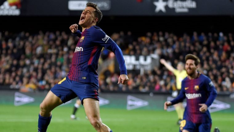 Así festejó Coutinho su primer gol con el FC Barcelona. (Foto Prensa Libre: AFP)