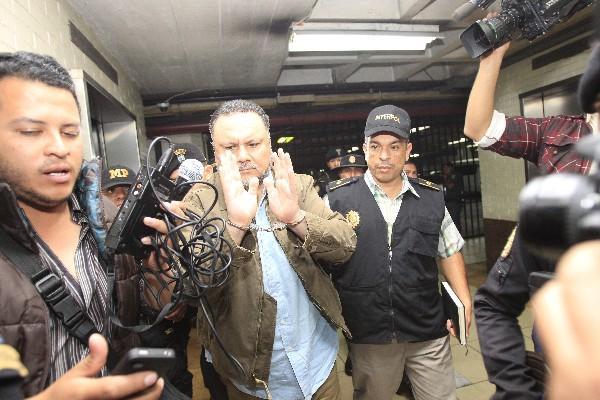 Byron Rodolfo Sánchez Corzo está  ligado a proceso por cinco delitos y fue enviado a prisión preventiva por el desvío de Q82.8 millones del Congreso. (Foto Prensa Libre: Hemeroteca PL)