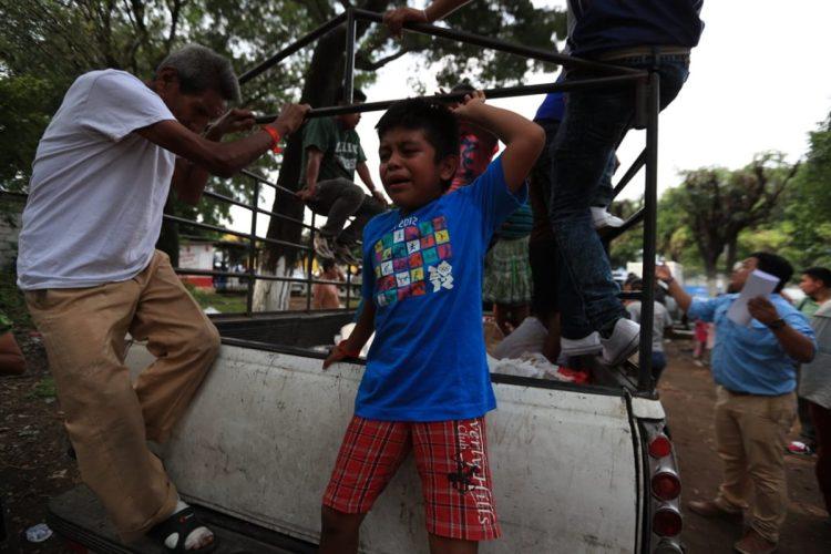 Varios niños se vieron conmocionados ante el llamado de alerta.