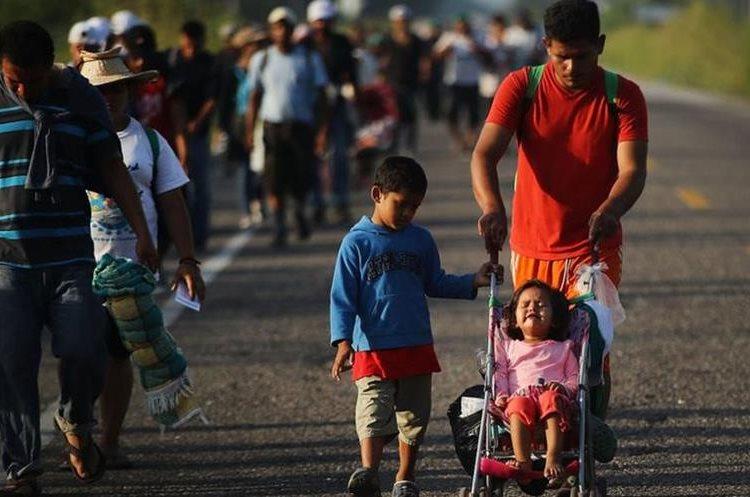 Miles de migrantes viajan con menores de edad e intentan obtener asilo de parte de EE. UU. (Foto Prensa Libre: Hemeroteca PL)