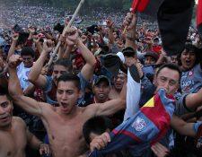 Aficionados de Carchá lanzaron objetos al terreno de juego el domingo pasado.