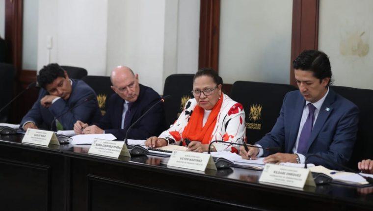 Consuelo Porras, fiscal general y jefa del Ministerio Público, se reunió con diputados del Congreso. (Foto Prensa Libre: Óscar Rivas)