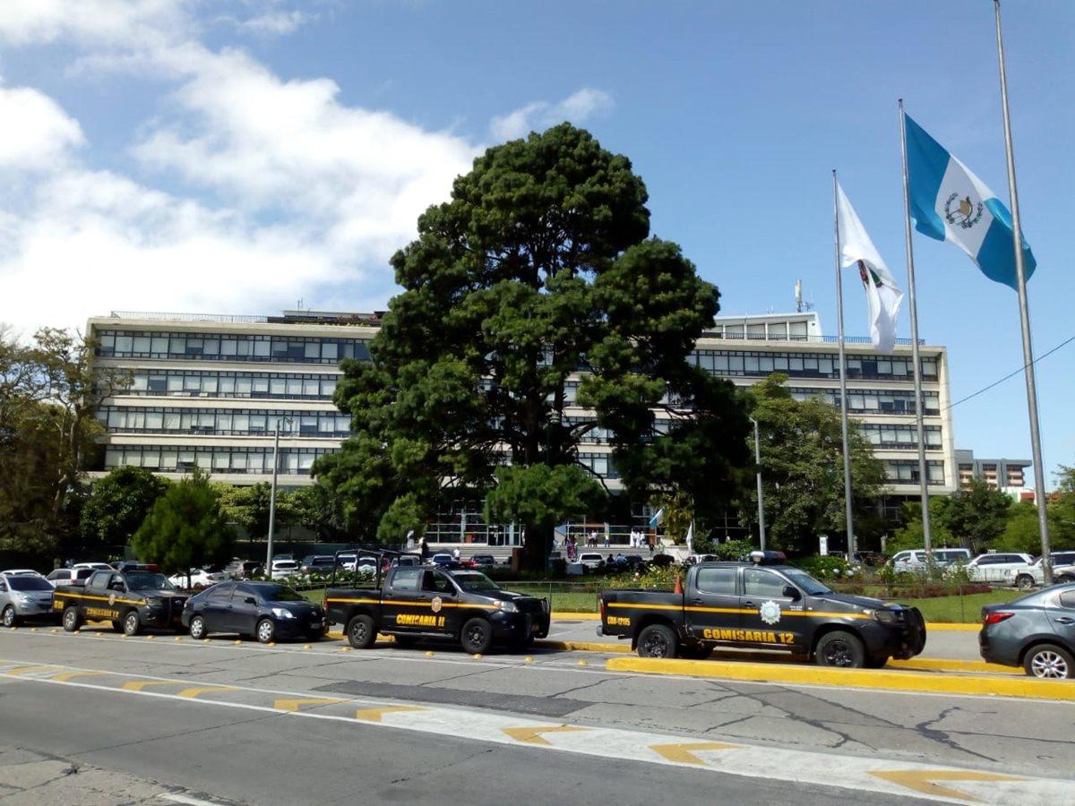 MP y Cicig catean la municipalidad y entidad financiera por caso Caja de Pandora