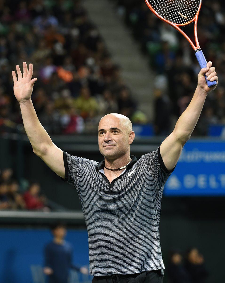 Djokovic busca resurgir con la ayuda de Agassi. (Foto Prensa Libre: AFP).