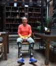 El escalador chino, Xia Boyu, perdió su dos piernas en sus primeros intentos por escalar el monte Éverest. (Foto Prensa Libre: AFP)