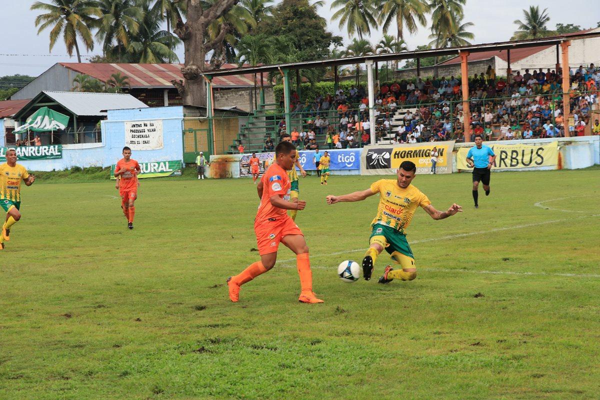 Siquinalá y Guastatoya empataron sin goles en el estadio Mateo Sicay Paz. (Foto Prensa Libre: Enrique Paredes)