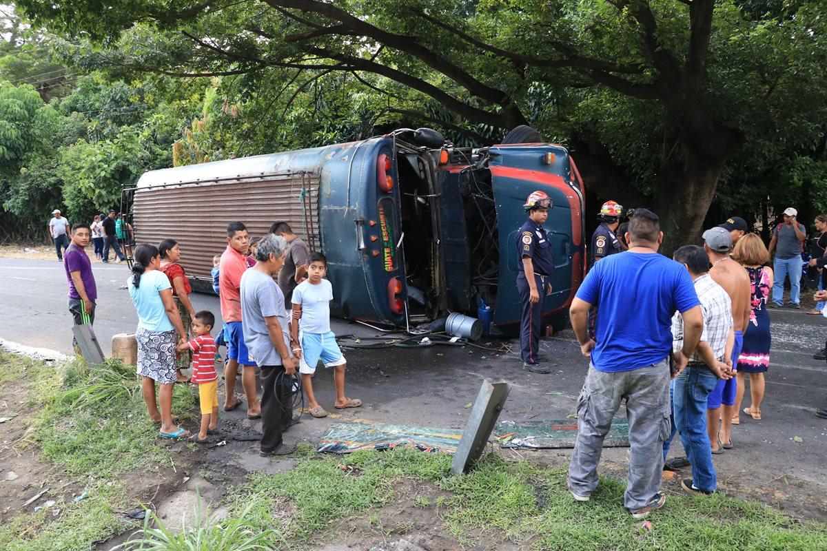 Accidente de bus deja al menos 15 heridos en Escuintla