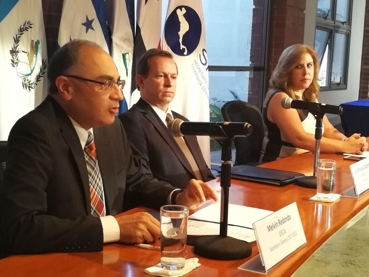 Hondureño Melvin Redondo asume dirección de Sieca