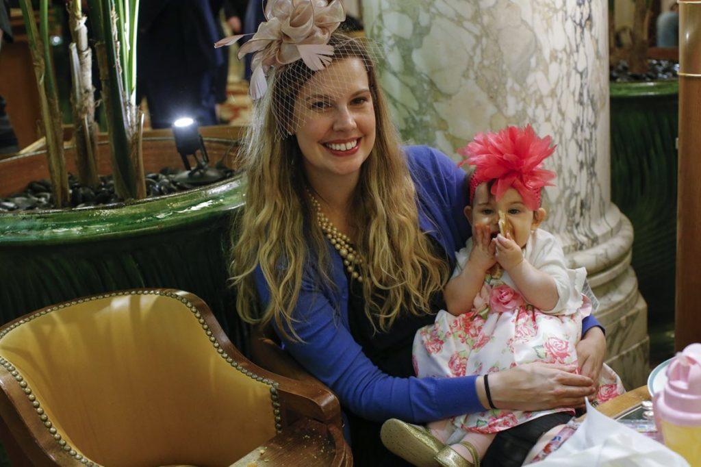 Las invitadas más pequeñas también lucieron elegantes para la boda más esperada del mundo.
