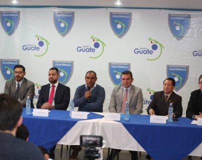 El Comité de Regularización de la Fedefut dio a conocer el jueves último, en una conferencia de prensa, de que Guatemala dejaba de ser la única asociación suspendida por parte de la Fifa (Foto Prensa Libre: Carlos Vicente)