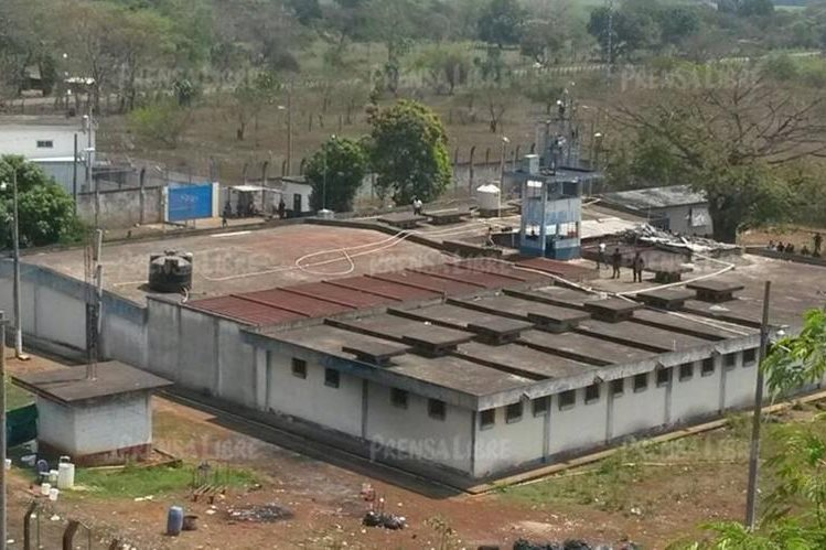 En 2005 se escaparon 19 reos de la cárcel El Infiernito, lo que dio origen al plan Gavilán, supuestmente para capturar y ejecutar a los fugados. (Foto Prensa Libre: Hemeroteca PL)