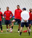 El París SG durante el último entrenamiento antes de enfrentar al Marsella. (Foto Prensa Libre: AFP).