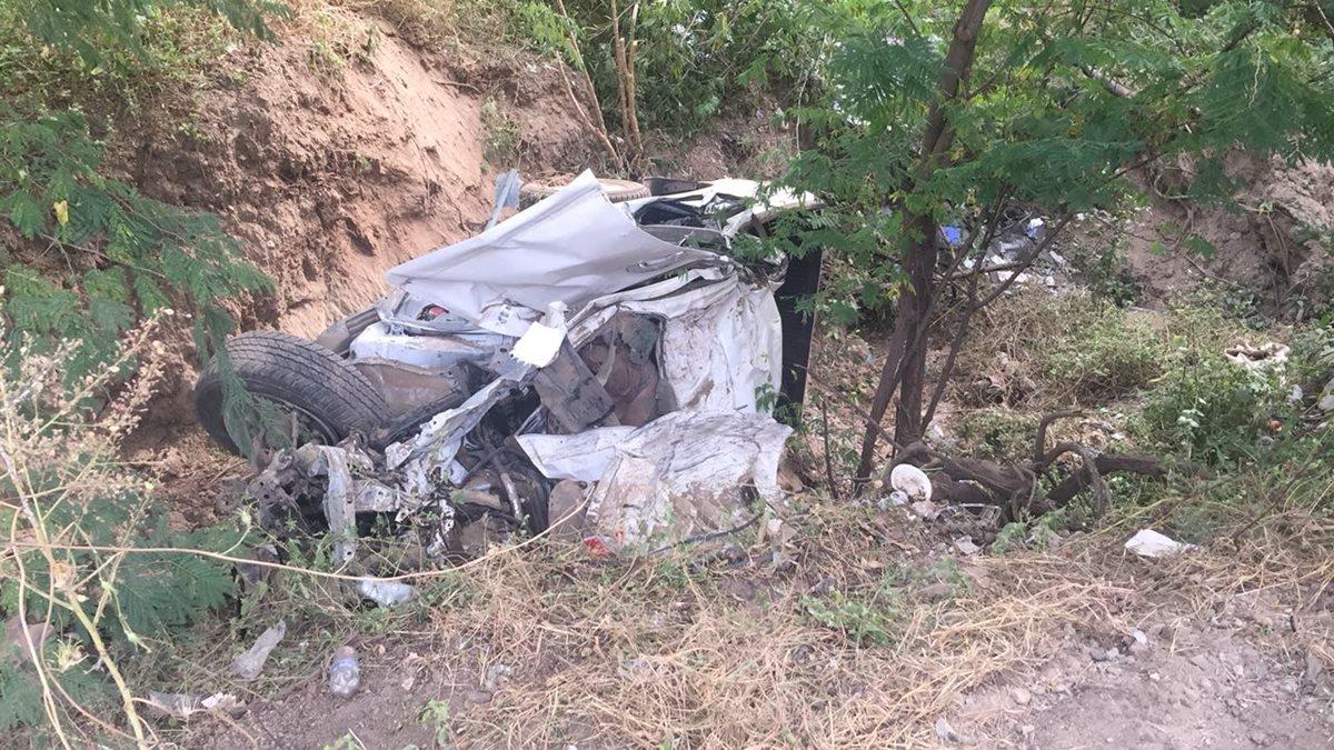 Cuatro personas mueren en accidente de picop