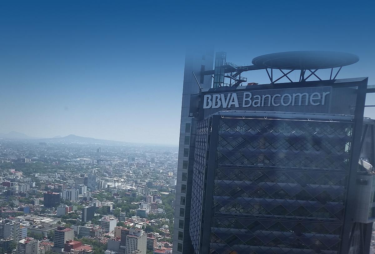 BBVA busca 2 mil 500 millones de clientes con plan digital