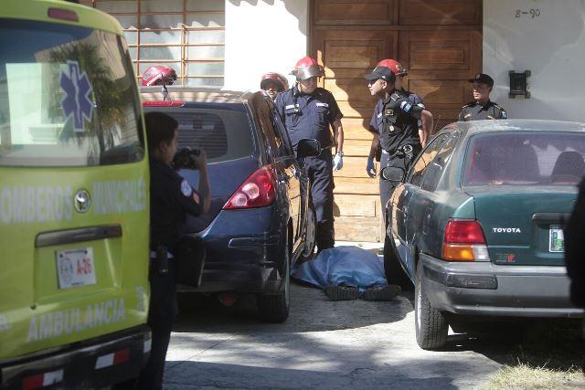 Muerte de presunto robacarros captada por cámara de seguridad