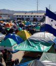 Vista general del albergue El Barretal, donde fueron reubicados este martes unos dos mil ciudadanos centroamericanos de la caravana de migrantes, en la ciudad de Tijuana, México. (Foto Prensa Libre: EFE)