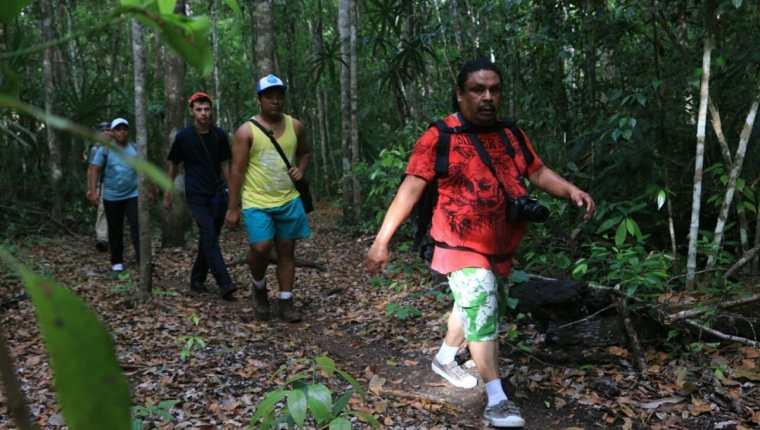 Rigoberto Escobar, corresponsal de Prensa Libre en Petén, captado durante la expedición hacia El Mirador. (Foto Prensa Libre: cortesía)