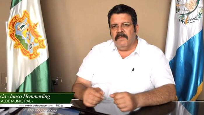 El alcalde de Coatepeque, Alfonso García Junco, permanece retenido. (Foto Prensa Libre: Alex Coyoy).