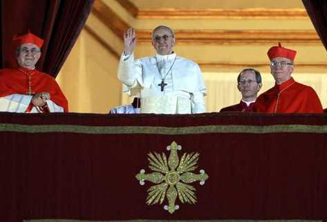 Papa Francisco I en su primera aparición pública. (Foto Prensa Libre: EFE)