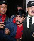 Abadío Molina es detenido por agentes de la PNC el 14 de julio de 2004. (Foto: Hemeroteca PL)