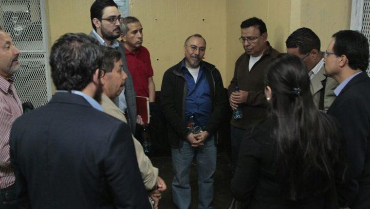 Capturados por caso Banco de Comercio en Torre de Tribunales. (Foto Prensa Libre: Carlos Hernández)