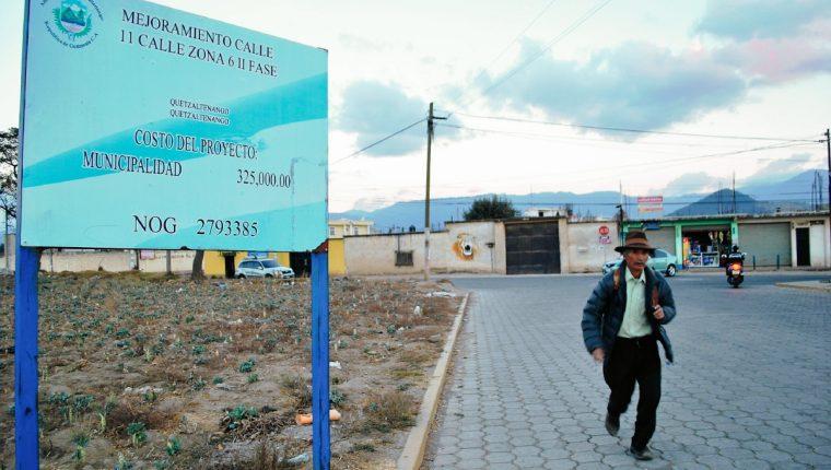 Se pavimento la segunda fase de la  11 calle zona 6 de Quetzaltenango la obra tuvo un costo de Q325 mil. (Foto Prensa Libre: Alejandra Martínez)