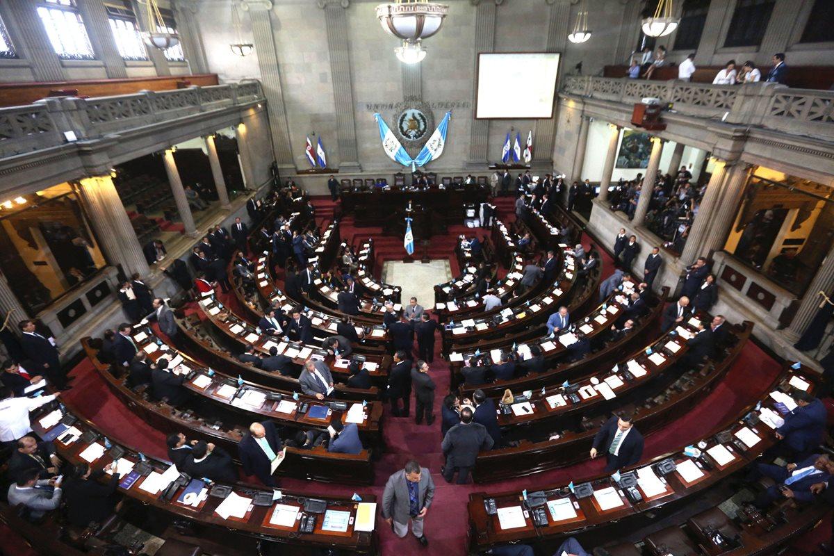 TSE ordena la inscripción de tránsfugas y rechaza la del presidenciable Mauricio Radford