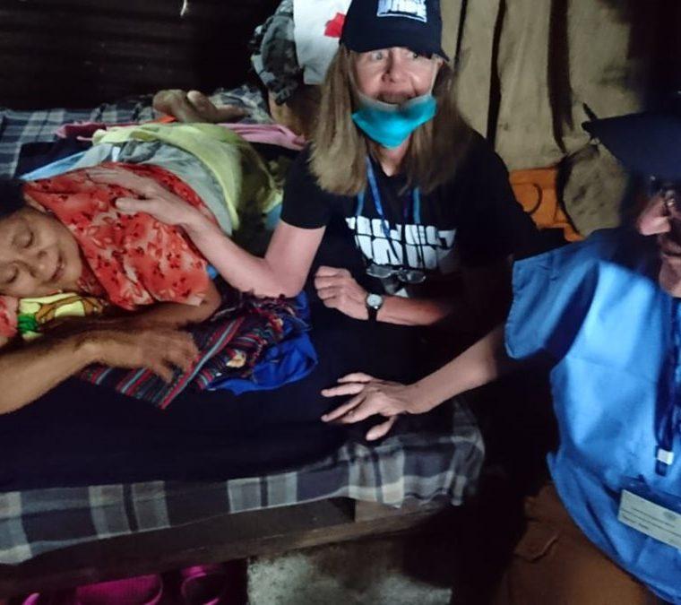 Los médicos han llegado hasta las casas de los afectados para darles atención médica. (Foto Prensa Libre: Cortesía Project Hope)