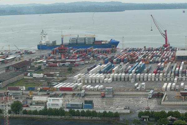La terminal Puerto Barrios mantiene un contracto de usufructo con el Estado por 25 años que vencen en el 2025. (foto Hemeroteca PL)