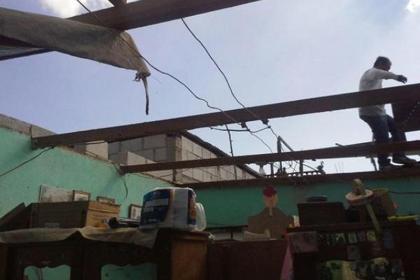 """Una de las viviendas dañadas por el ventarrón en El Tejar, Chimaltenango. (Foto Prensa Libre: BMDEPTAL)<br _mce_bogus=""""1""""/>"""