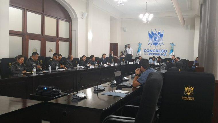 La mesa técnica del presupuesto se reunió con autoridades del Ministerio de la Defensa. (Foto Prensa Libre: Carlos Álvarez)