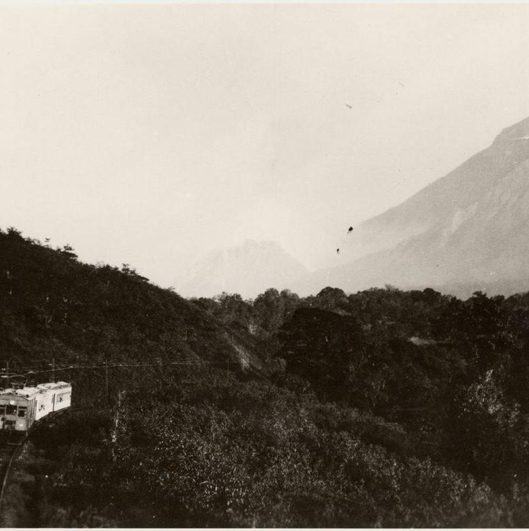 El ferrocarril de los Altos, Quetzaltenango (circa 1934). Coleccio?n del Museo de Etnologi?a de Hamburgo. (Foto: Fototeca Guatemala CIRMA)