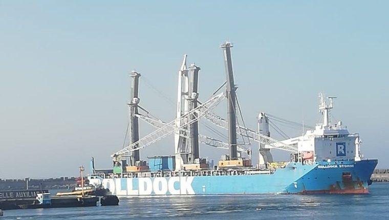 La EPQ realizará trabajos de ingeniería naval con el mantenimiento del rompeolas al adjudicar contrato. (Foto Prensa Libre: Hemeroteca)
