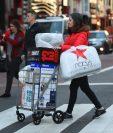 Un 70% de los que piensan comprar lo harán durante el Black Friday 2017. (Foto Prensa Libre: AFP)