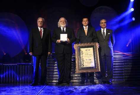 Ricardo Castillo Sinibaldi, junto a Ernesto Ruiz y Fredy Gereda, de Supermercados la Torre.