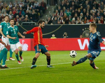 Los porteros Ter Stegen y De Gea se desilusionan por el balón que se usará en el Mundial de Rusia 2018