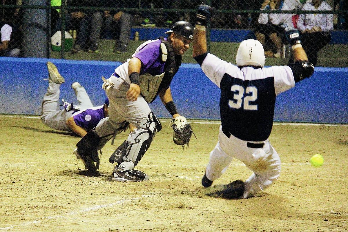 Scott y Lanquetin en intensa pelea por el Campeonato Nacional de Softbol