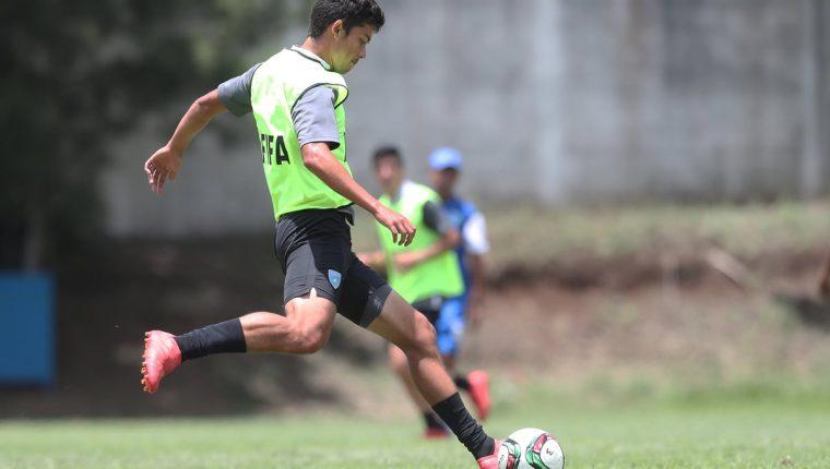 Héctor Moreira, durante la práctica de la Selección Nacional de Guatemala. (Foto Prensa Libre: Francisco Sánchez)