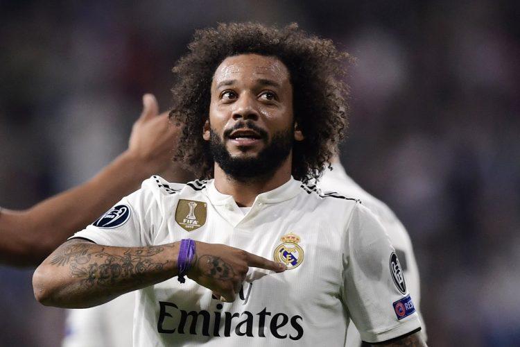 El brasileño Marcelo celebró así después de anotar el gol que le dio la victoria al Real Madrid.