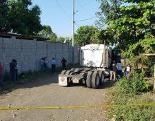 El ataque armado se registró en el kilómetro 114 de la ruta que conduce a Iztapa, Escuintla. (Foto Prensa Libre: Carlos Paredes)