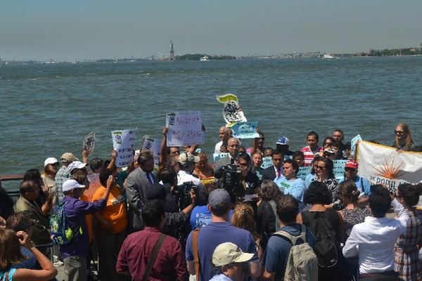 """Lanzamiento de la campaña para otorgar 'ciudadanía' de Nueva York, a migrantes. (Foto Prensa Libre: EFE) <br _mce_bogus=""""1""""/>"""