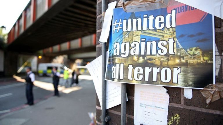La idea de una sociedad dividida es a menudo usada como justificación por los atacantes. (Getty Images).