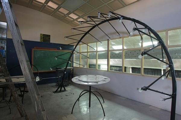 El heliodón es un aparato que sirve para estudiar el recorrido de sol.