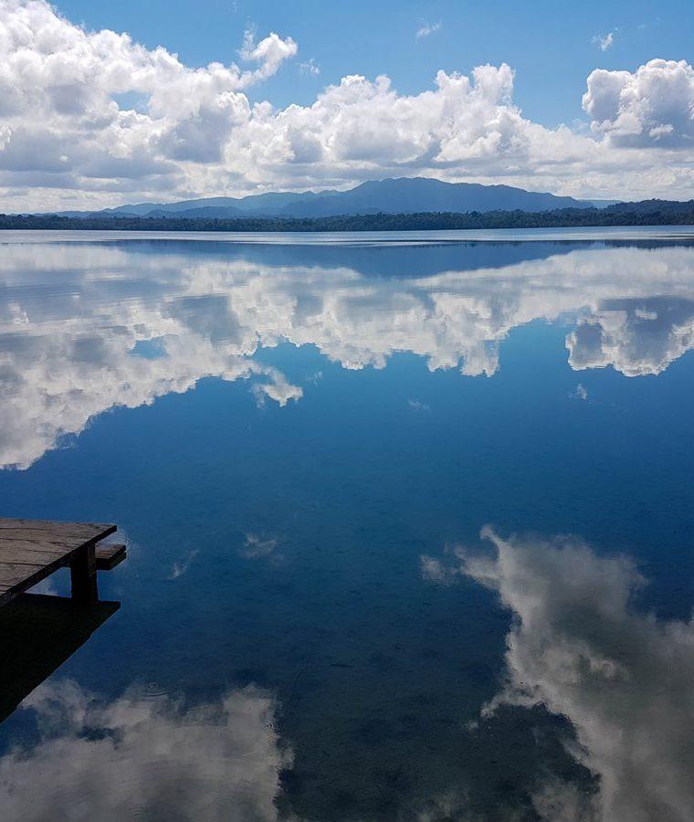 """El Parque Nacional Laguna Lachuá, categoría I, es considerado el """"espejo del cielo"""".(Foto Prensa Libre: Jaime Carrillo)"""