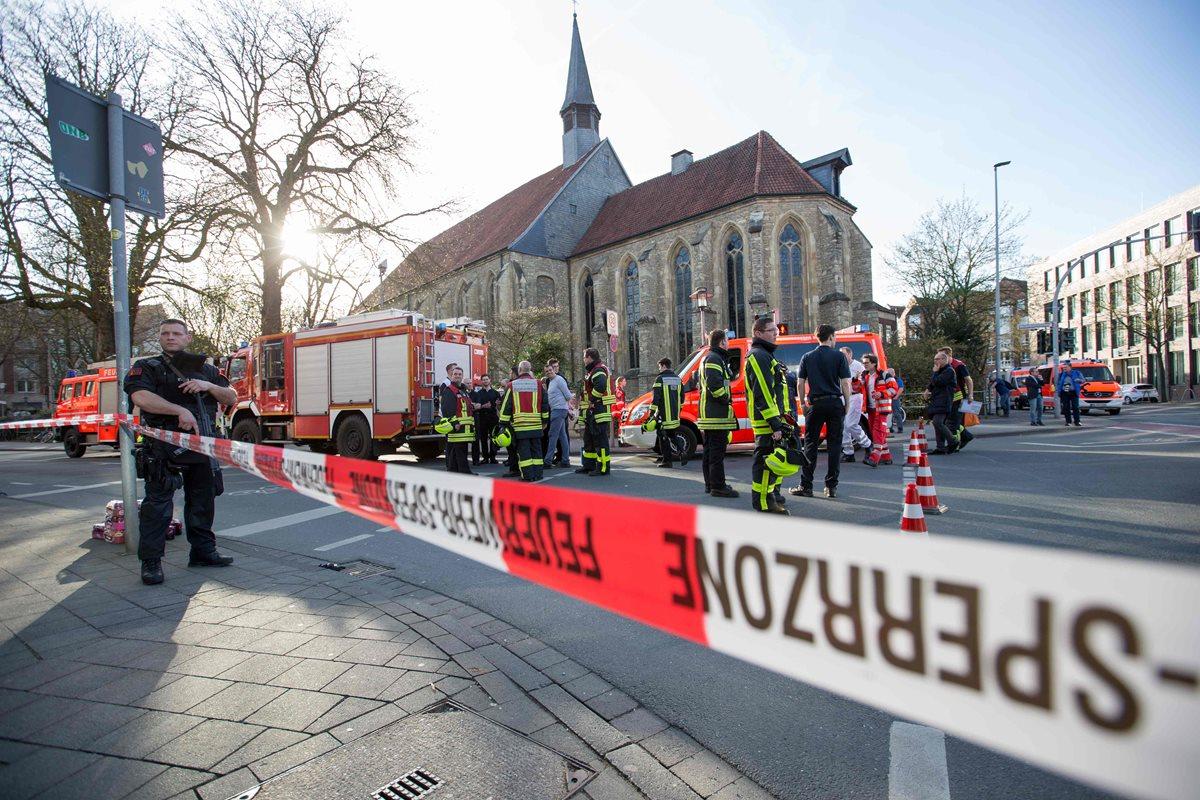 La policía de Münster acordonó la zona del incidente, un área comercial bastante concurrida. (Foto Prensa Libre: AFP)
