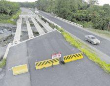 La carretera de la Costa Sur encargada a la constructora brasileña quedó inconclusa debido a los hallazgos de modificaciones en el costo de la obra. (Foto Prensa Libre: Hemeroteca PL)