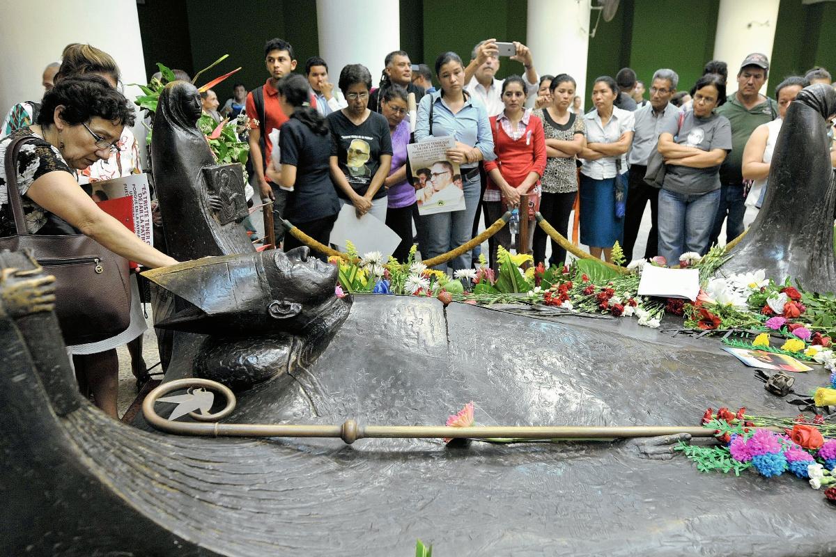 El Salvador conmemora aniversario de asesinato de Romero y reclama justicia
