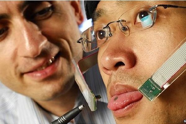 personas tetrapléjicas podrían beneficiarse con imán que se coloca en la lengua.