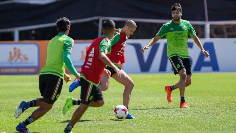 México, segundo de la hexagonal de la Concacaf con cuatro puntos, tendrá enfrente a la Costa Rica de Óscar Machillo Ramírez, que va de líder con seis unidades (Foto Prensa Libre: EFE)