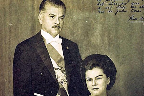 Sara de la Hoz de Méndez, junto a su esposo, Julio César Méndez Montenegro, presidente de Guatemala 1966-1970.